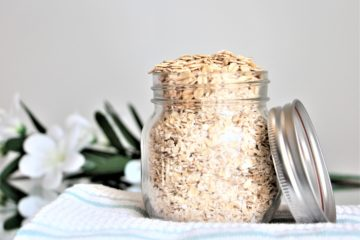Rolled oats in jar
