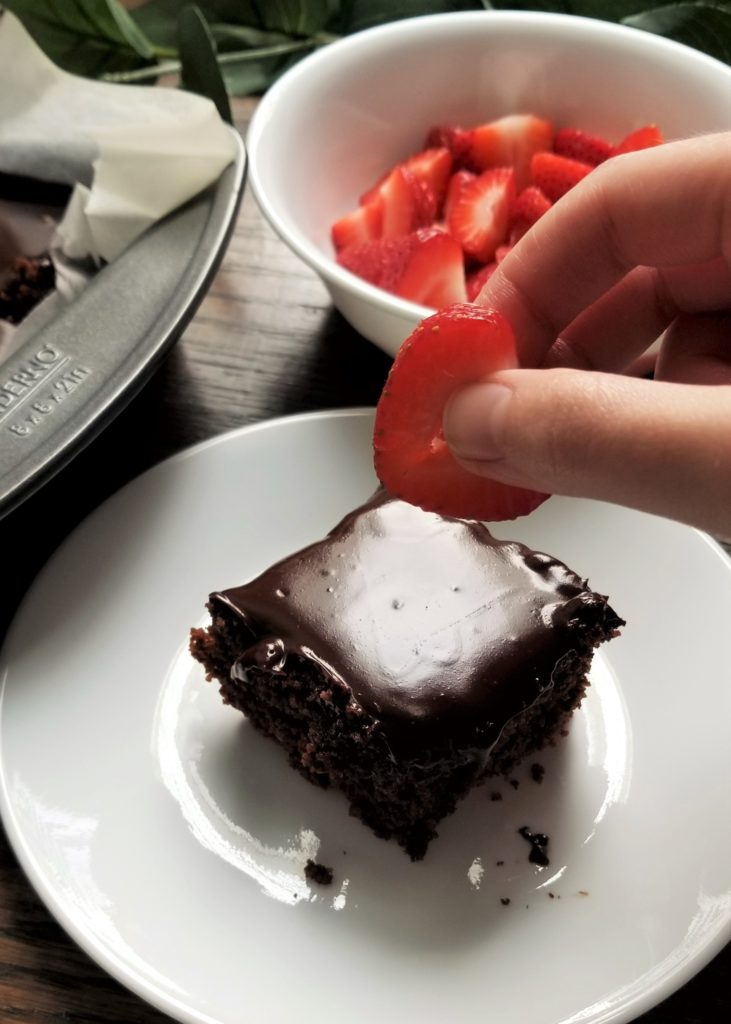 brownie slice with strawberry